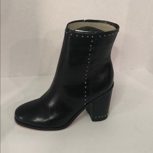 Marc Fisher Woens Piazza Ankle Boot size 5.5